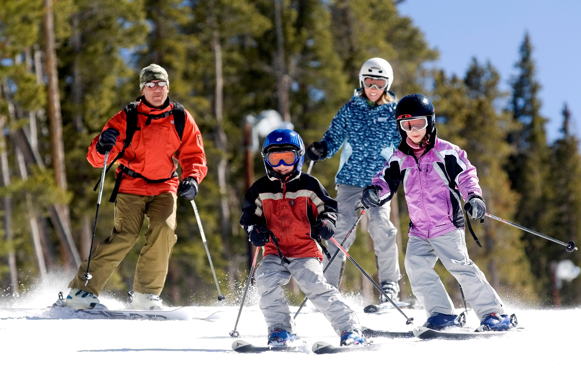 Skiers family